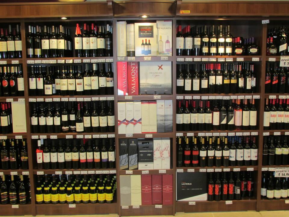 Muebles vinoteca idee per interni e mobili for Muebles para vinotecas